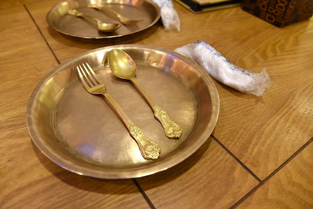 スプーンとお皿